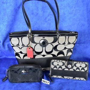 Coach signature tote, wallet, cosmetic 017